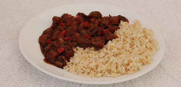 Soya Chunks in Black Bean Sauce with Rice